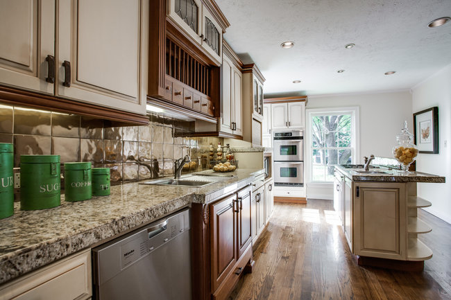 6748-avalon-kitchen1