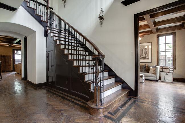 4520-potomac-stairs