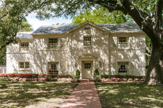 4272 Bordeaux Avenue is offered by Mary Lou Mercer and Elliott & Elliott Group for $4,200,000