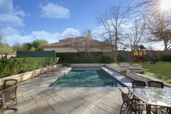 6810 Mimosa Lane in Preston Hollow