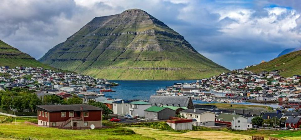 Faroe Islands_GettyImages-516809577_small